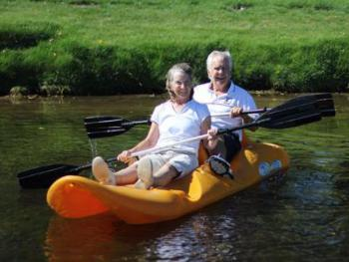 Tandem paddle boat
