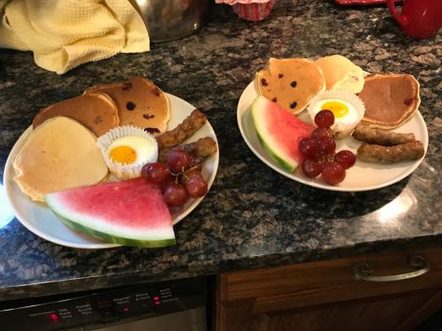Country breakfast served every morning