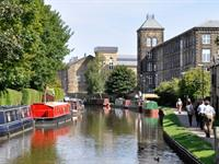 Pennines canal boats