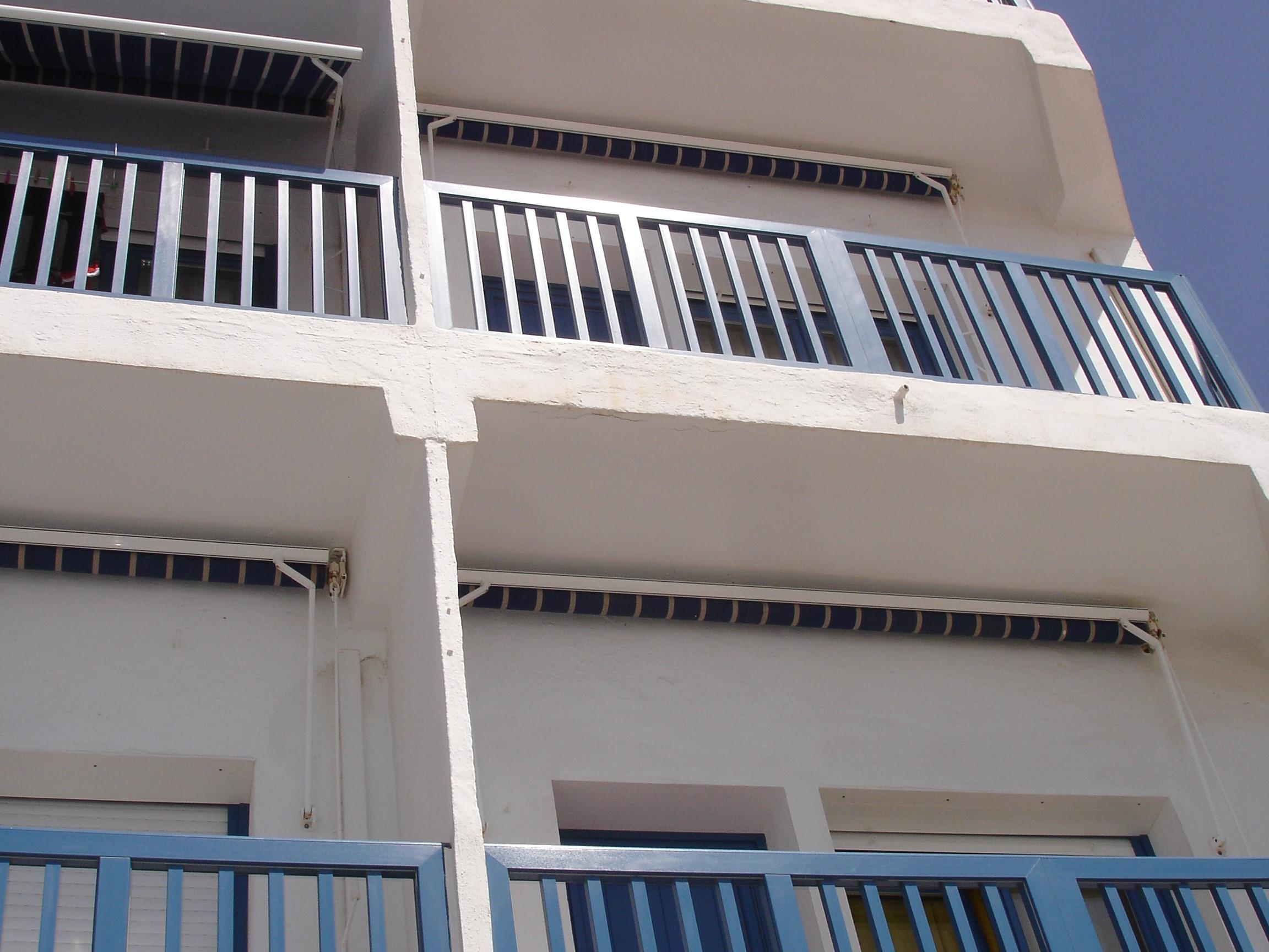 Cama de Matrimonio o Dos Camas-Baño Privado-Balcón-Vista al mar