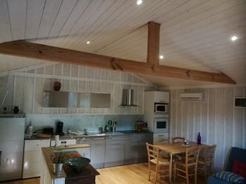 Petite Maison des Jacquets - coin cuisine.