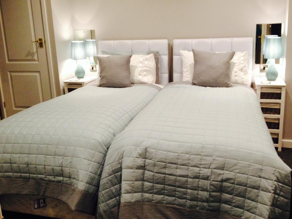 Twin room-Luxury-Ensuite-Ground floor