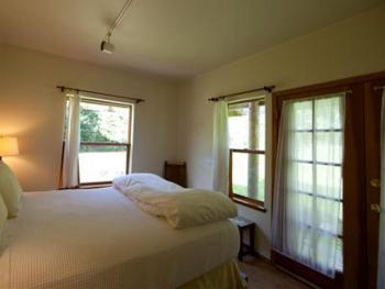 farm house suite bedroom