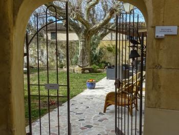 le patio donnant sur le jardin