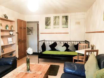 Edinburgh city centre Aisha.Sakina Apartment - Apartment Aishia/Sakina lounge