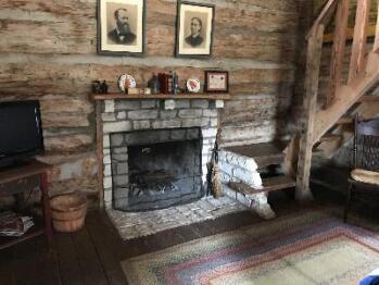 Garrison Cabin-Cabin-Private Bathroom