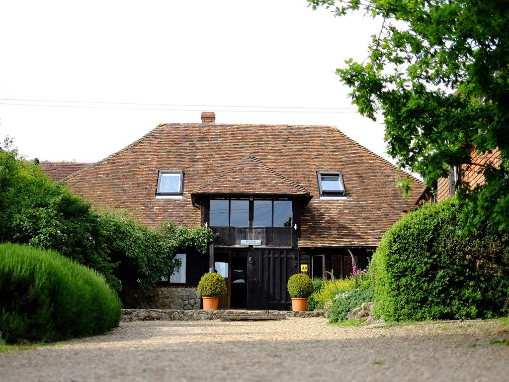 Warm, relaxed, romantic and family ran – welcome to Elvey Farm.