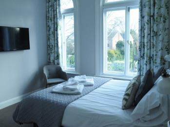 Double or twin en-suite room