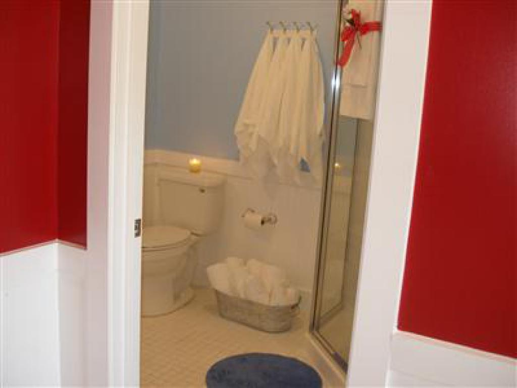 Cottage-Ensuite-Standard-10- Single Cottage