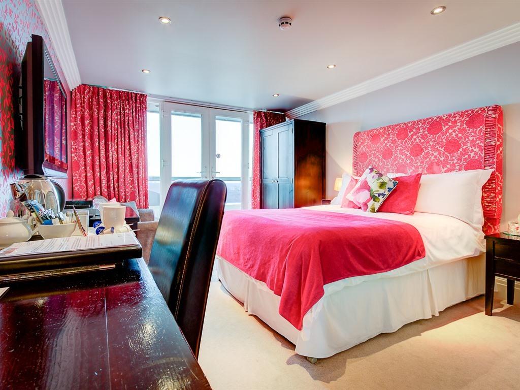 King Room (En-Suite) | Sea View