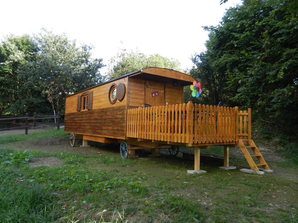 Roulotte-Cottage-Douche-Vue sur Jardin-Les Coccinelles
