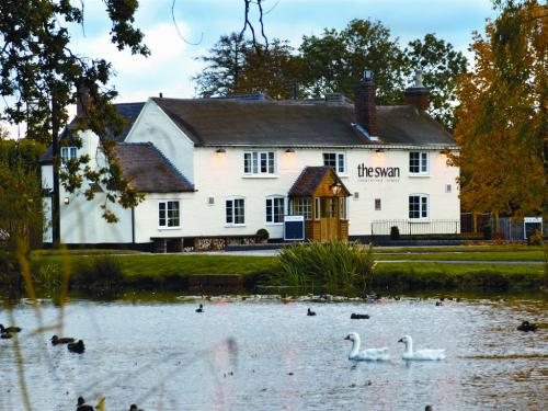 The Swan Inn - The Swan Inn in its idyllic surroundings