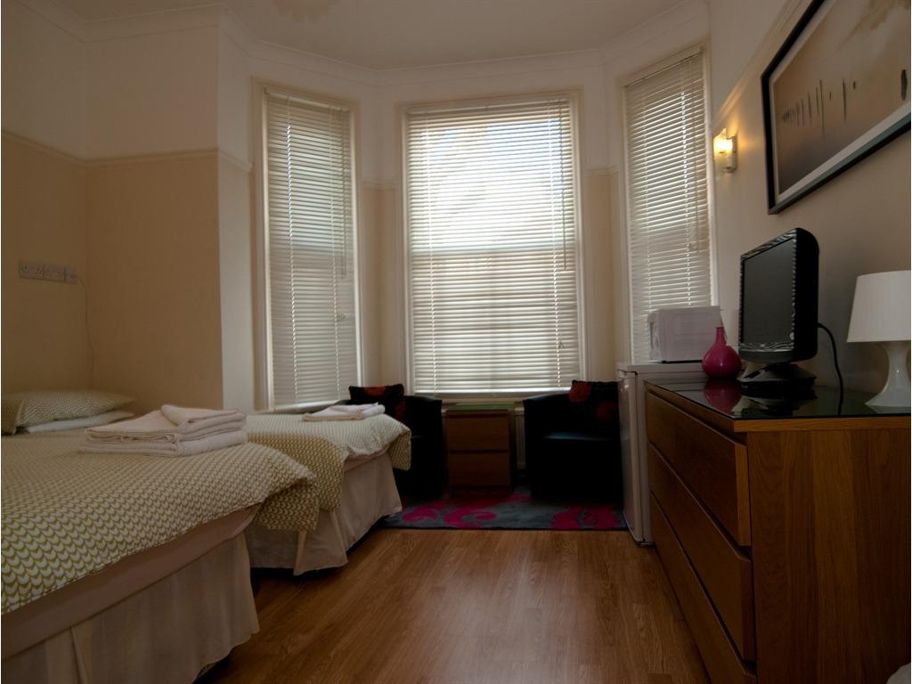 Triple room-Ensuite-Small