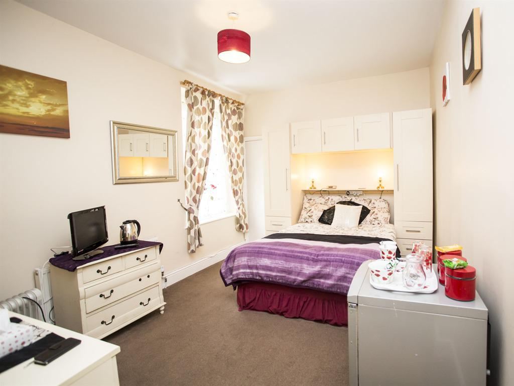 Family room-Ensuite-Room 8 - Base Rate