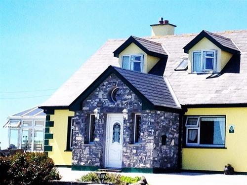 Limestone Porch of Claí Bán