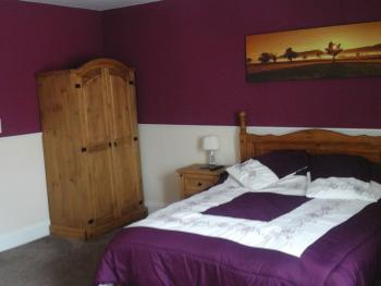 Double room-Ensuite with Shower-11 - Base Rate