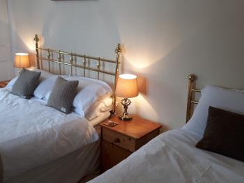 Double room-Ensuite-The Harris Suite - Base Rate
