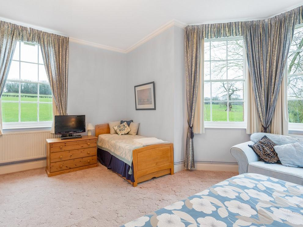 Double room-Ensuite-Garden View-blue room