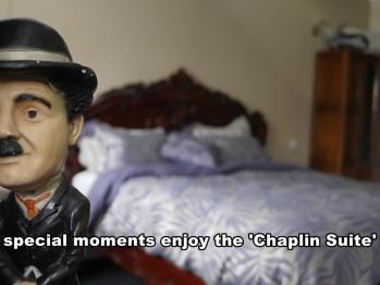 Suite-Luxury-Jacuzzi-Park View-Chaplin Suite