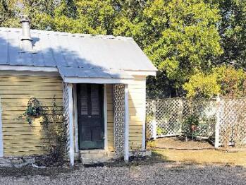 Summer Kitchen-Cottage-Private Bathroom