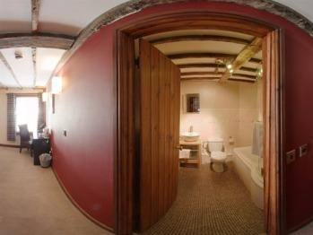 Barcud Coch room 3