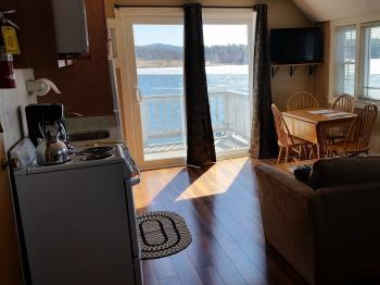 Studio-Ensuite-Superior-Lake View-F--Yacht Club Studio