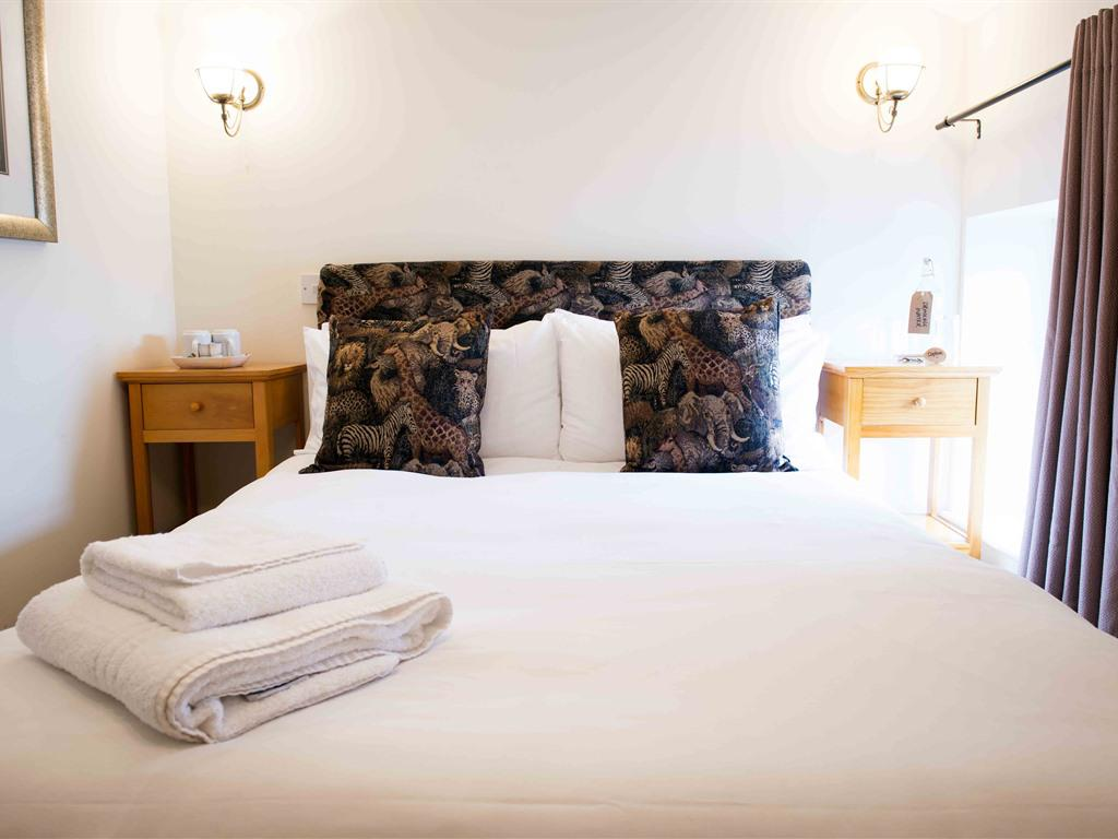 Double room-Ensuite with Shower-Captains