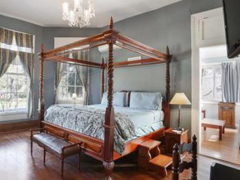The Oak Room with sitting room/ two room suite with private bath and spa shower
