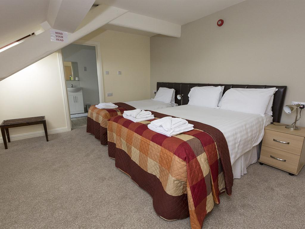 Family room-Ensuite-1 double & 1 single bed - Base Rate