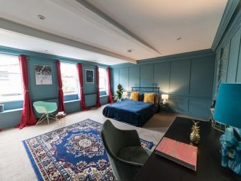 Double room-Luxury-Shared Bathroom-Street View - Double room-Luxury-Shared Bathroom-Street View
