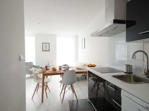 cuisine, micro onde, lave vaisselle, nespresso