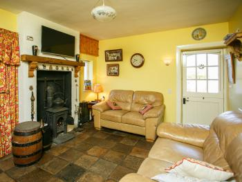 Brookhall Cottages - Honeysuckle Living room