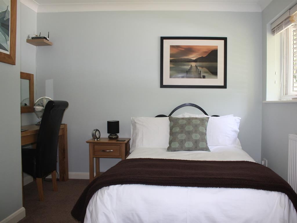 Single room-Ensuite-Adults over 21 years only