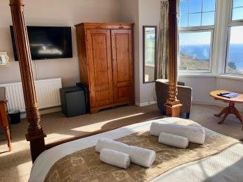 Panoramic View: Room 9