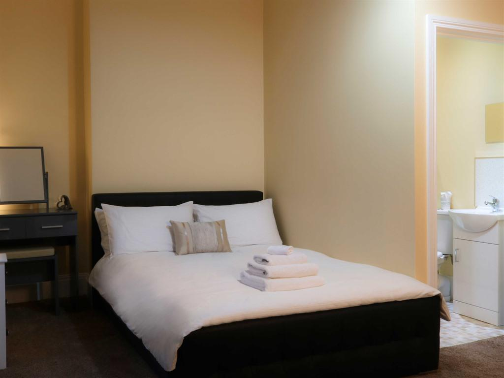 Single room-Deluxe-Ensuite with Shower
