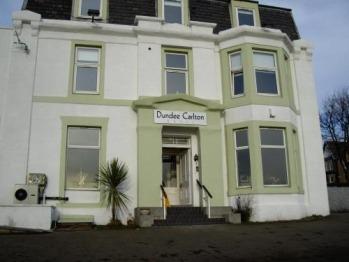 Dundee Carlton -