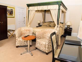 Double room-Ensuite-Four Poster Room