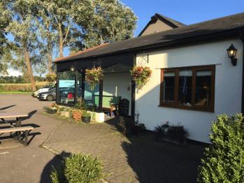 Llangeview Lodge -
