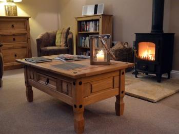 Stonehenge Cottages - Lounge & Log Fire