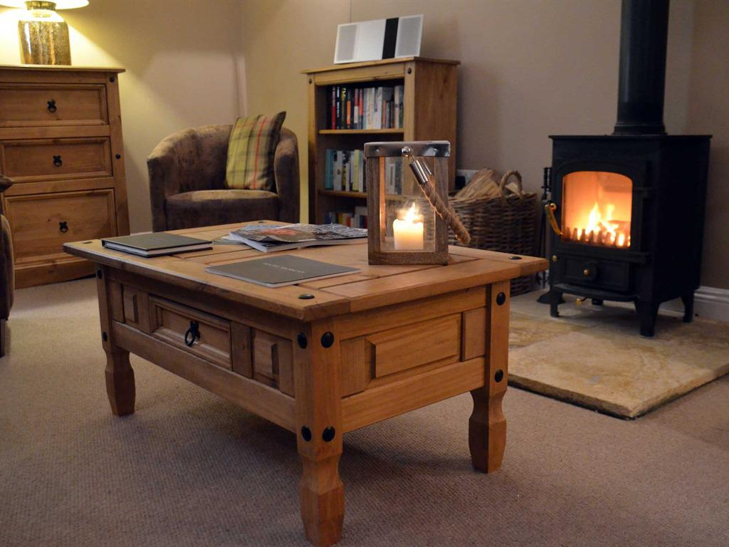 Lounge & Log Fire