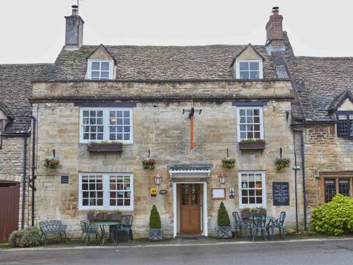 400 year old Cotswold Inn