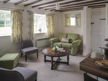 Aldwick Court Farm & Vineyard - Lounge