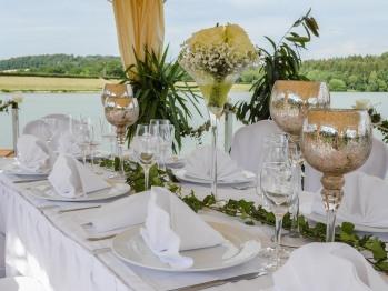 Seebühne / Traustätte für Hochzeiten