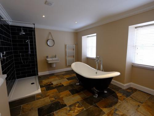 Free Standing Bath - Room 11