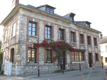 Chambres d'Hôtes Les Hostises de Boscherville - Façade Maison d'hôtes Les Hostises côté rue