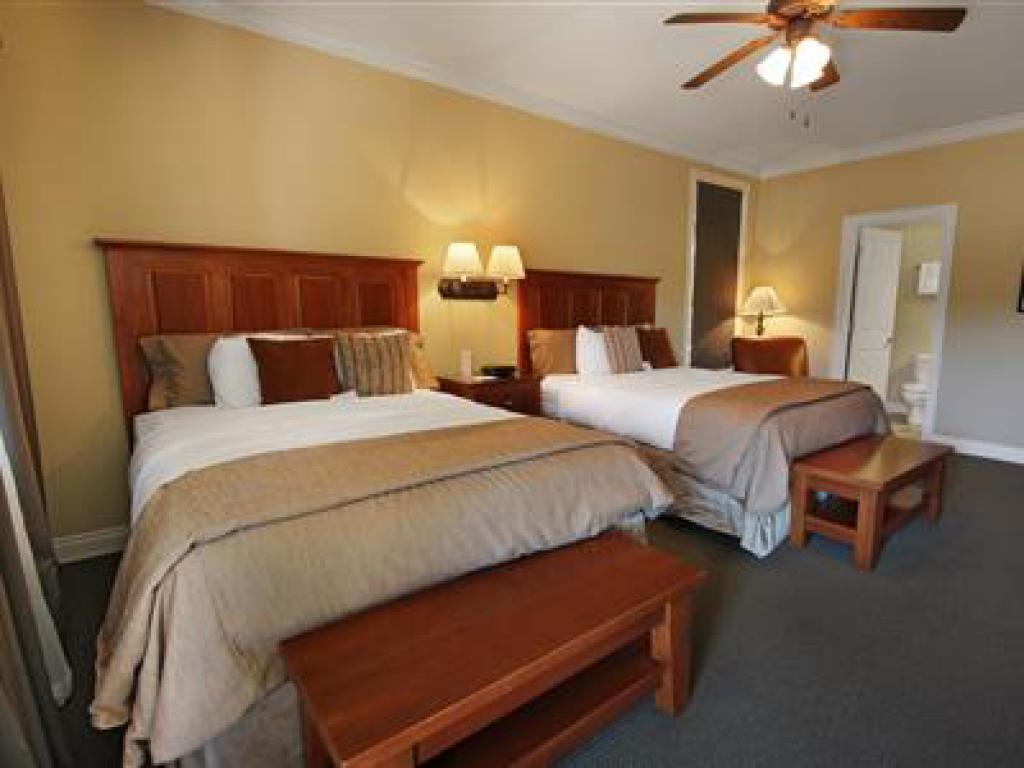Quad room-Ensuite-Standard-203 Veranda Queen