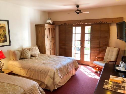 Room 6- Two Queen Beds