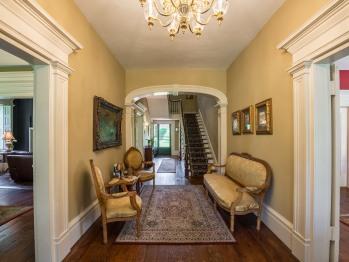 Lobby - Hallway