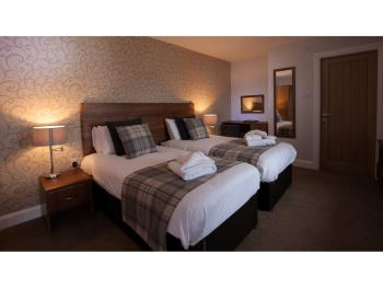 Twin Ensuite - Ground Floor - Room Only - Breakfast Available