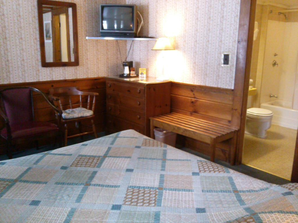 Double room-Ensuite-Standard-Room #3 (1 double bed)